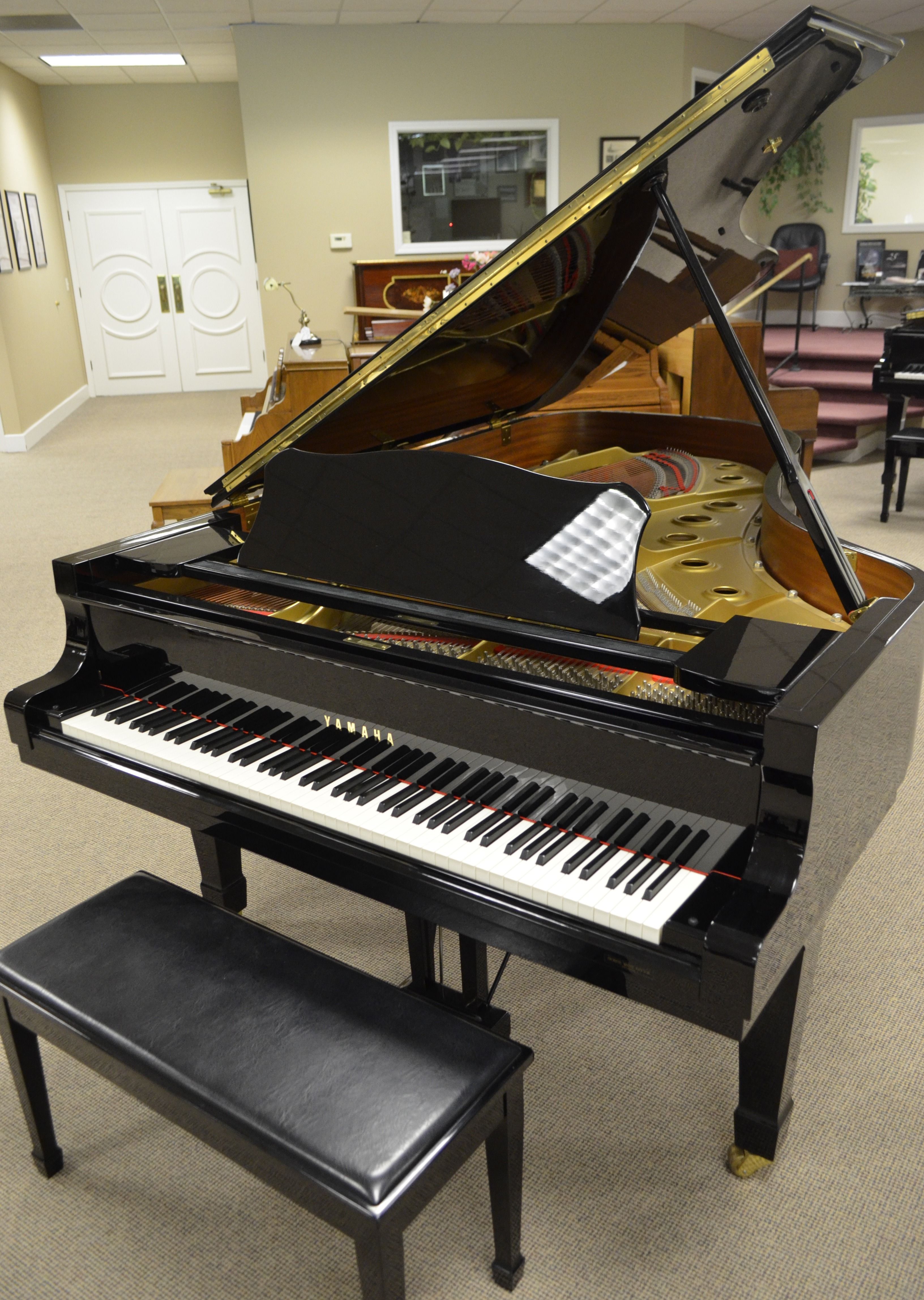 featured piano yamaha c7 grand piano pianonotes online. Black Bedroom Furniture Sets. Home Design Ideas